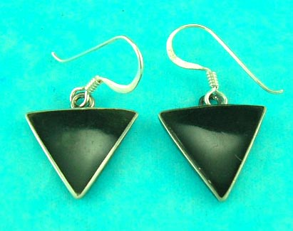 wholesale distribute fashion jewelry of dangling onyx sterling silver triangle earring