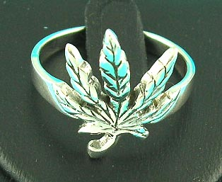 eastern ring jewelry safehouse displays maple leaf design ring, perfect for nature lovers